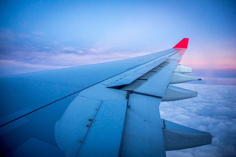 como viajar barato de avião