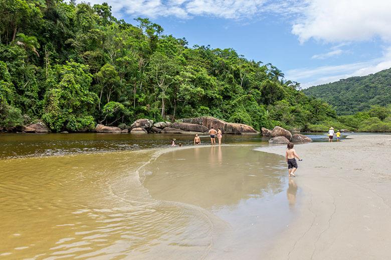 pousadas em Ubatuba pé na areia
