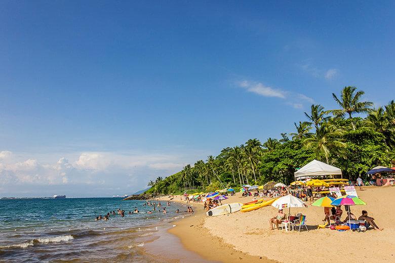 praia da feiticeira em Ilhabela - sp