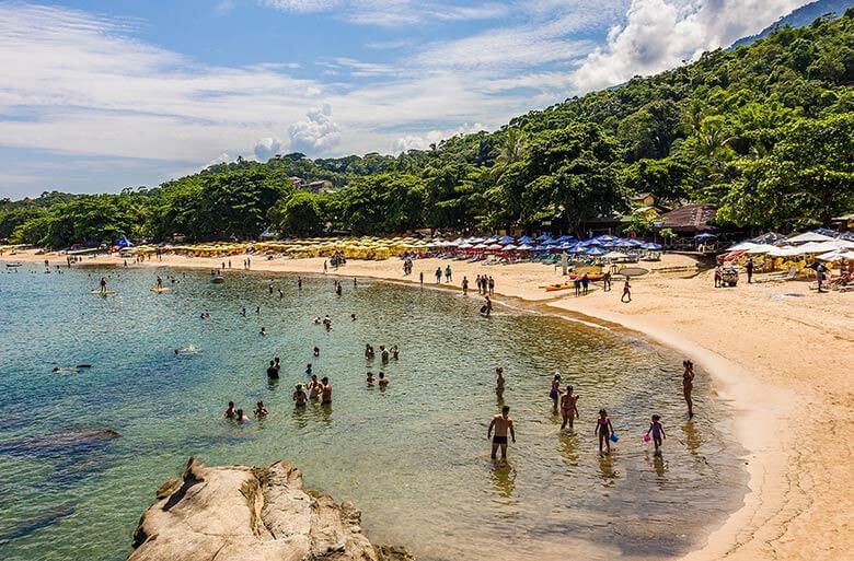 hospedagem na Praia do Curral em Ilhabela