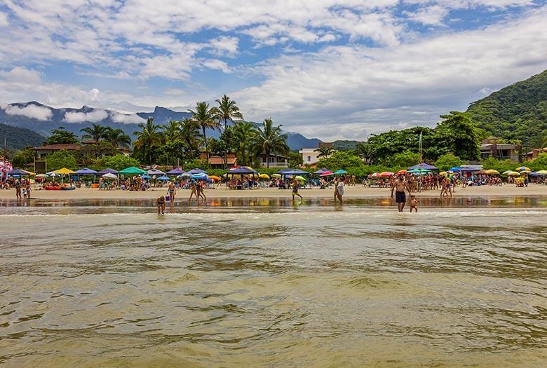 onde ficar em Ubatuba pé na areia