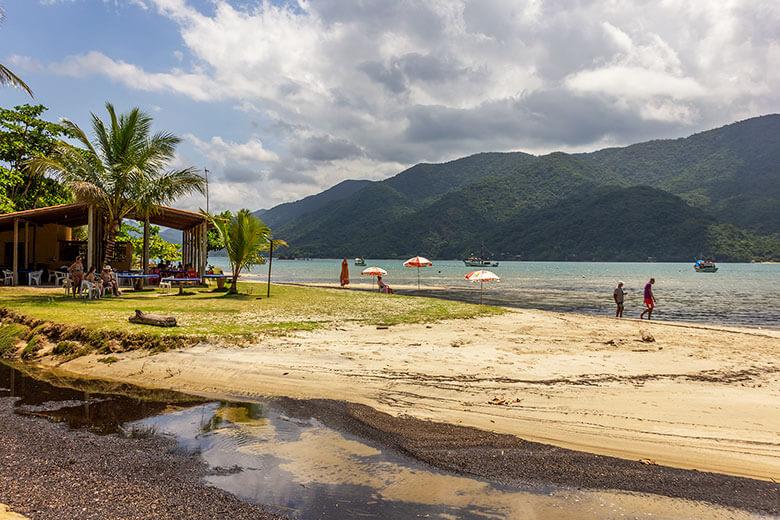quantas praias há em Paraty?