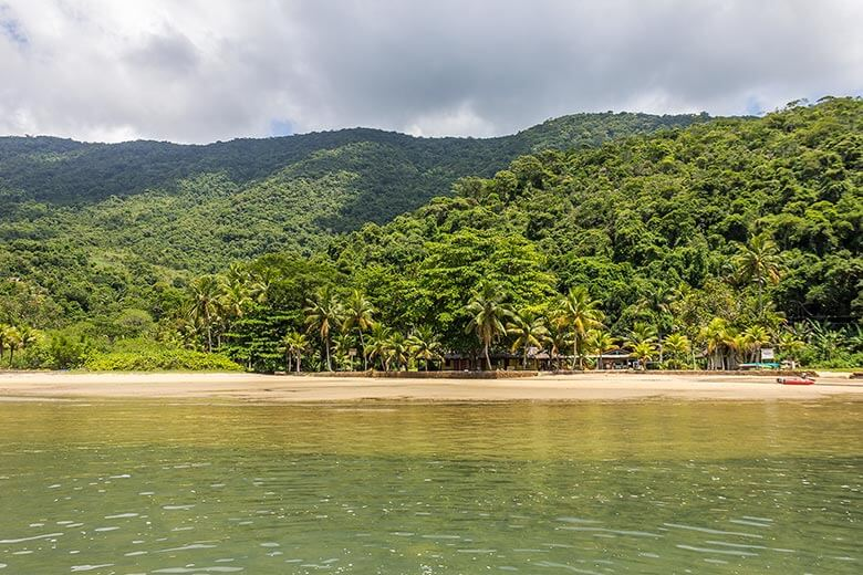 Praia Grande do Saco do Mamanguá, em Paraty