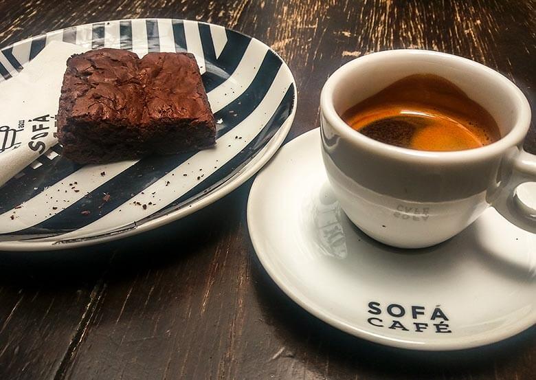 sofá café em Pinheiros