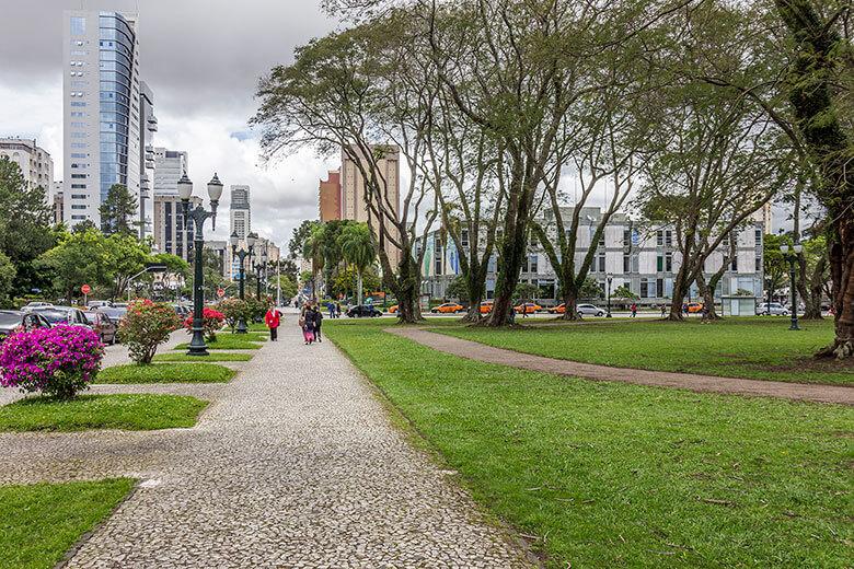 hospedagem barata em Curitiba