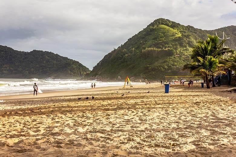 hospedagem na Praia do Tombo - Guarujá