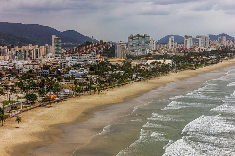 lugares baratos para ficar no Guarujá