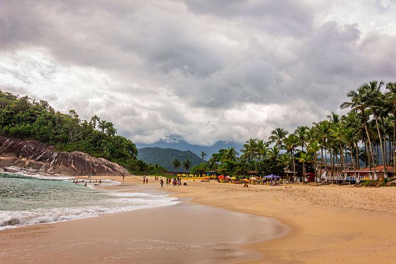 hotéis na Praia do Lázaro