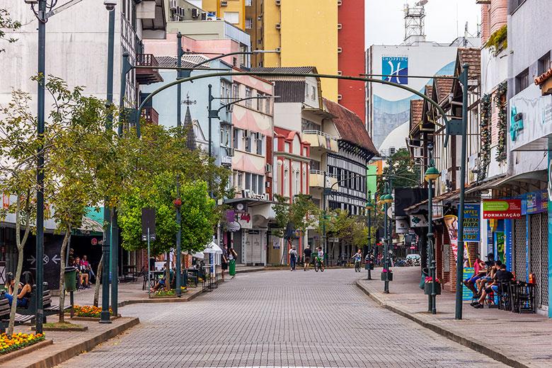 melhores bairros para ficar em Blumenau