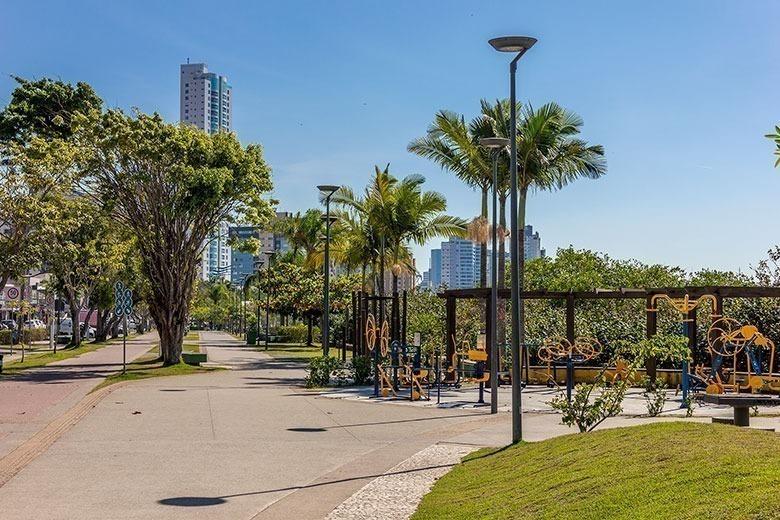 hotéis baratos em Itajaí