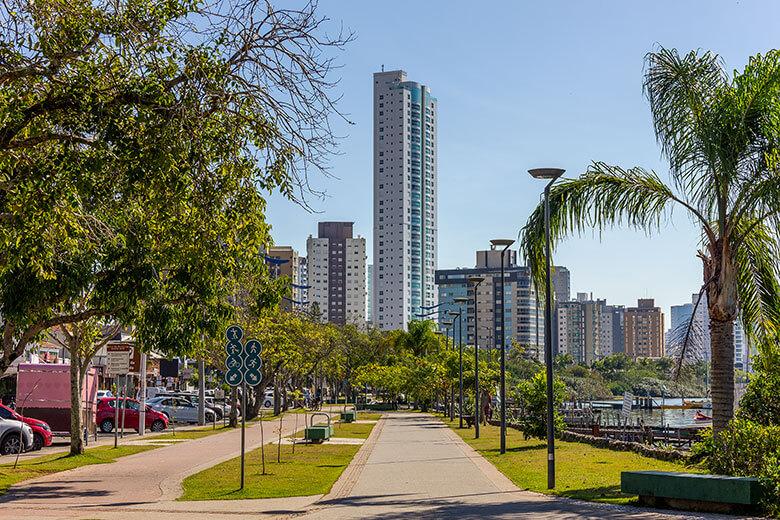 hotéis baratos no centro de Itajaí