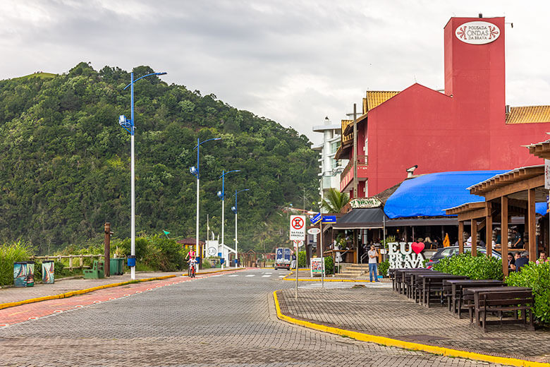melhor região para se hospedar em Balneário Camboriú