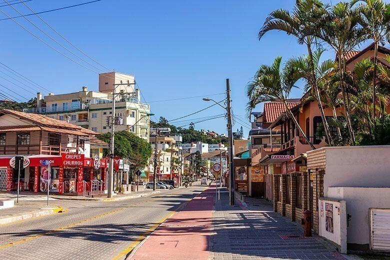onde ficar na Praia de Bombinas