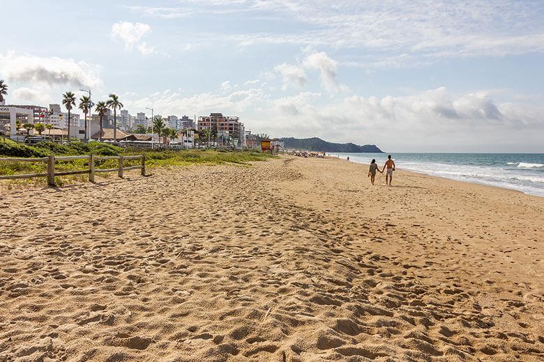 melhores praias para ficar em Itajaí