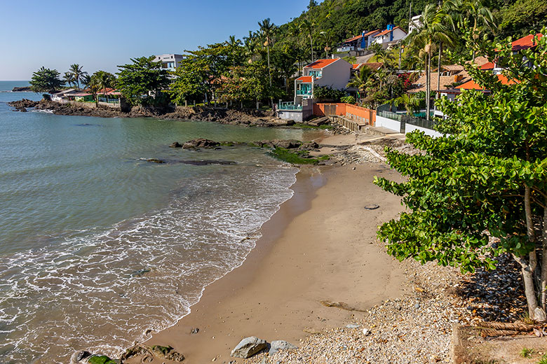 quantas praias tem em Itajaí?