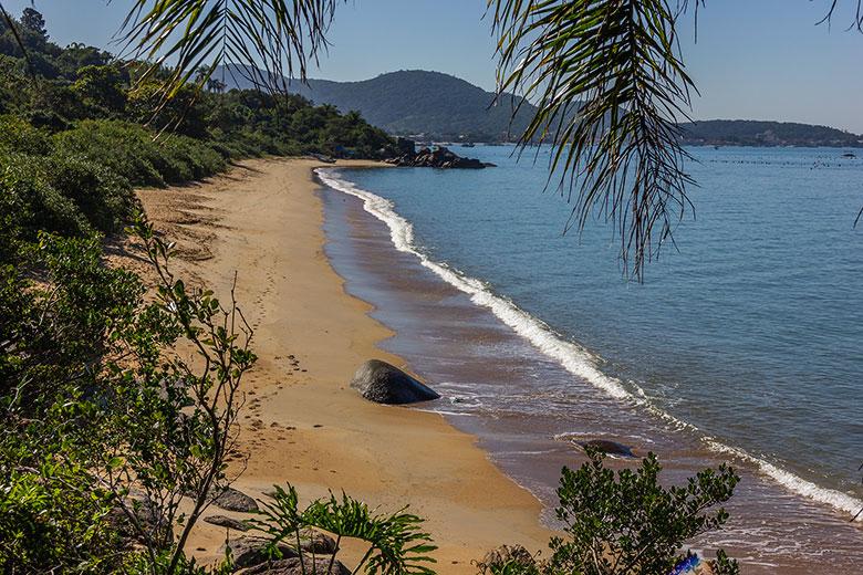 trilhas pelas praias de Bombinhas