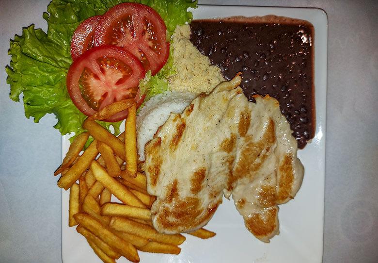 comida barata em Balneário Camboriú