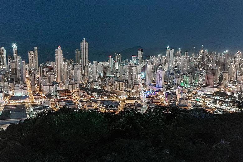 o que fazer em Balneário Camboriú à noite